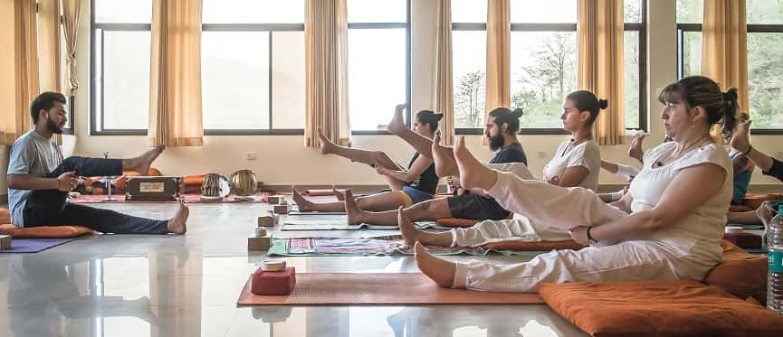 200-hour-vinyasa-yoga-teacher-training-india