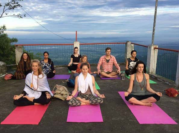 rys-200-300-500-yoga-teacher-training-anadi-yoga-centre