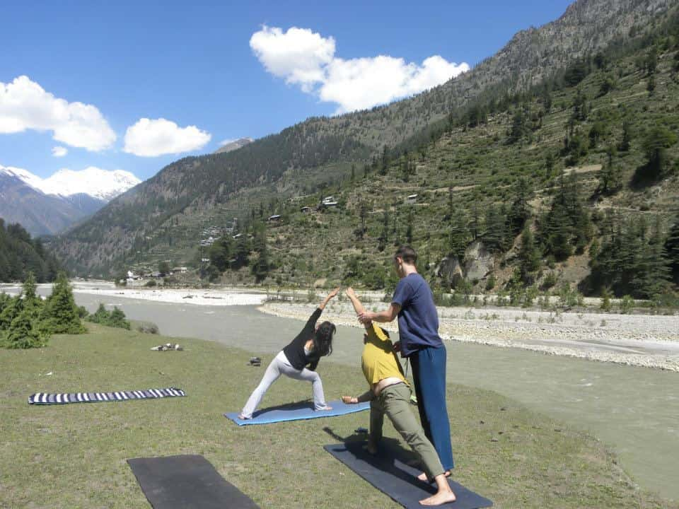 yoga-courses-for-beginners-india-rishikesh-mahatma-yoga-ashram
